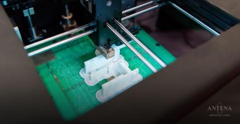 Placeholder - loading - Imagem da notícia Primeiro barco feito com impressora 3D