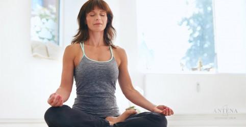 Ioga e acupuntura podem diminuir as ondas de calor da menopausa
