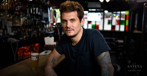 "John Mayer faz performance da faixa ""It's My House"", de Diana Ross"
