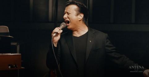 """Steve Perry, ex-Journey, lança """"No Erasin"""", primeira música em 20 anos"""