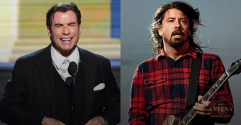 Placeholder - loading - John Travolta sobe ao palco em show do Foo Fighters