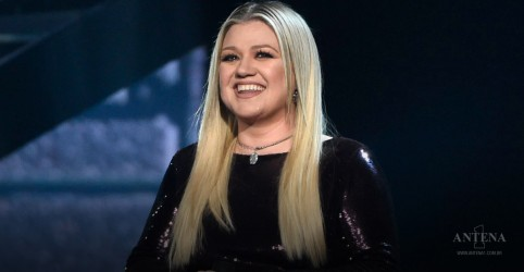 Kelly Clarkson em performance inédita; confira