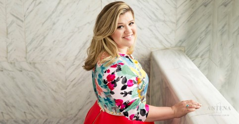 Kelly Clarkson fala sobre gordofobia