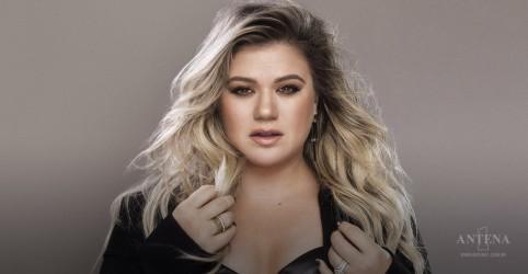 """Kelly Clarkson canta """"Shallow"""", do filme """"Nasce Uma Estrela"""""""