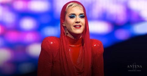 Placeholder - loading - Imagem da notícia Katy Perry nervosa ao receber Céline Dion