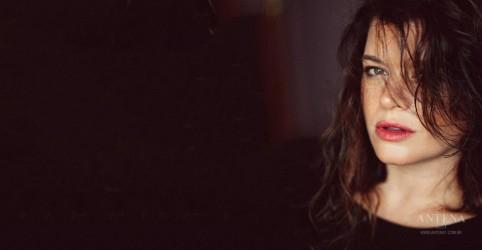 Conheça Cecilia Krull, dona do hit da série La Casa de Papel