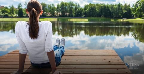 Placeholder - loading - Imagem da notícia Ficar perto de um lago pode acalmar