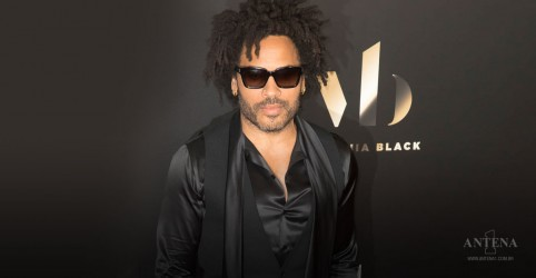 "Placeholder - loading - Lenny Kravitz faz performance de ""Low""; assista"