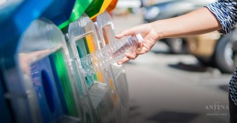 Placeholder - loading - Imagem da notícia O hábito japonês de limpar locais públicos