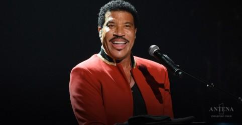 Placeholder - loading - Imagem da notícia Confira as 10 melhores faixas de Lionel Richie