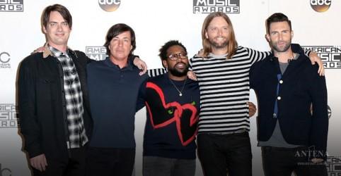 Placeholder - loading - Imagem da notícia Maroon 5 faz cover de clássico do Bob Marley