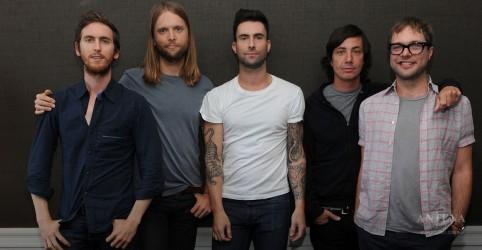 Placeholder - loading - Imagem da notícia Maroon 5 surpreende os fãs