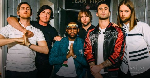 "Placeholder - loading - Maroon 5 bate recorde com clipe de ""Girls Like You"""