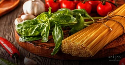 Placeholder - loading - Imagem da notícia Dieta mediterrânea ajuda na saúde dos ossos