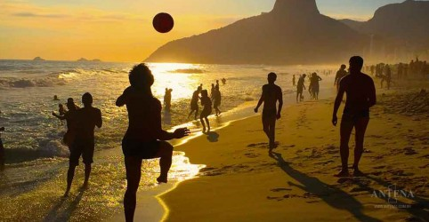 Placeholder - loading - Imagem da notícia Brasil é um dos países mais otimistas