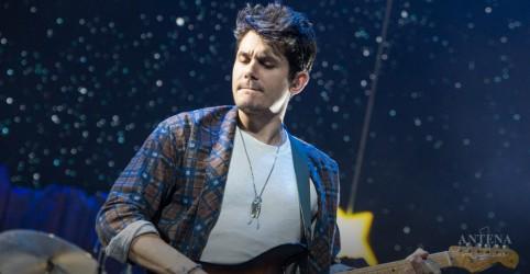 Placeholder - loading - Imagem da notícia John Mayer faz apresentação em São Paulo