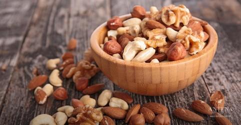 Placeholder - loading - Imagem da notícia Benefícios de comer diariamente nozes e amendoim