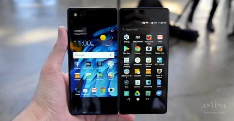 Placeholder - loading - Imagem da notícia Conheça o celular que tem duas telas