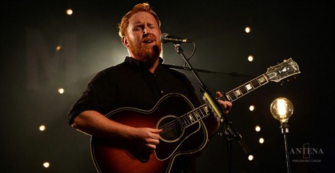 Placeholder - loading - Ouça a nova canção de Gavin James