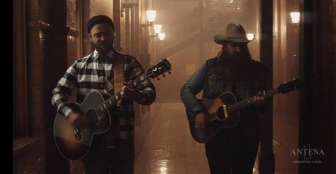 "Placeholder - loading - ""Say Something"" é o novo clipe de Justin Timberlake"