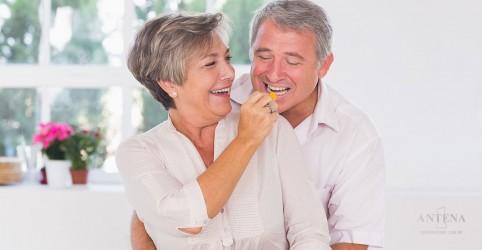 Placeholder - loading - Imagem da notícia Estudo aponta benefícios de dietas restritivas
