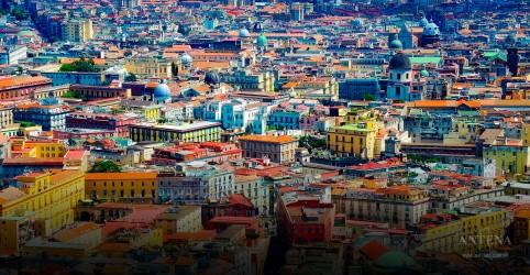 Nápoles e a tecnologia