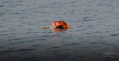 Placeholder - loading - Imagem da notícia Aparelho visa recolher o lixo do Oceano Pacífico