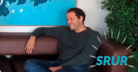 Placeholder - loading - Imagem da notícia Antena 1 entrevista Eduardo Srur
