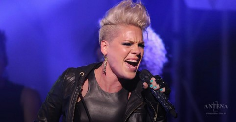 """Hustle"" é o novo single de P!nk; ouça"
