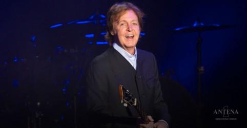 Ringo Starr faz participação em show do Paul McCartney