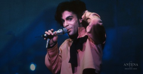 Placeholder - loading - Imagem da notícia Disco inédito de Prince será lançado em 2019