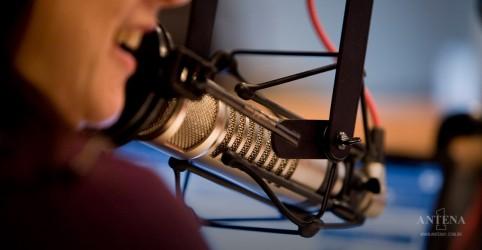 Placeholder - loading - Rádio é a mídia mais confiável quanto à disseminação de notícias, de acordo com estudo
