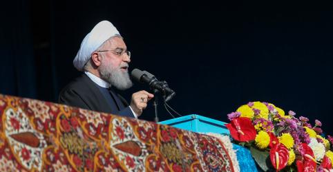 Placeholder - loading - Imagem da notícia EUA não conseguirão impedir Irã de exportar petróleo, diz Rouhani