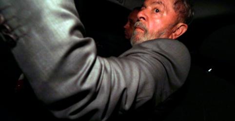 Placeholder - loading - Imagem da notícia Julgamento sobre liberdade de Lula no STF é suspenso após Gilmar Mendes pedir vista