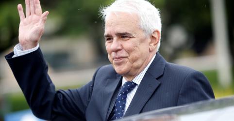 EXCLUSIVO-Castello Branco já tem sala na Petrobras e revisou plano de negócios, dizem fontes