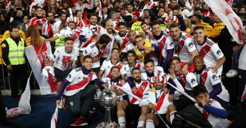 Placeholder - loading - Imagem da notícia River Plate vence Boca Juniors na prorrogação e é campeão da Libertadores