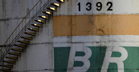Placeholder - loading - Imagem da notícia Vazamento de petróleo atinge Baía de Guanabara após tentativa de furto em duto