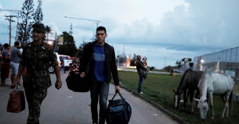 Placeholder - loading - Imagem da notícia Temer rebate interventor e diz que não há restrição à entrada de venezuelanos em Roraima