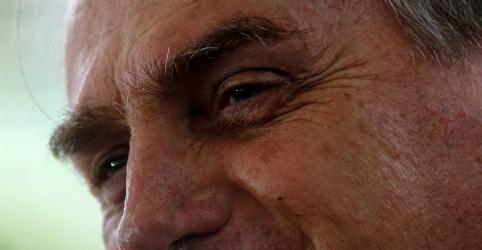 Placeholder - loading - Imagem da notícia Bolsonaro recebe diploma de presidente da República no TSE