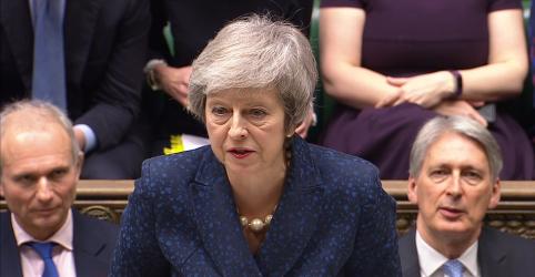 Placeholder - loading - Imagem da notícia Ao menos 150 parlamentares britânicos apoiam May publicamente antes de voto de desconfiança