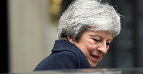 Quase 200 parlamentares conservadores indicam apoio à premiê May, segundo contagem da Reuters