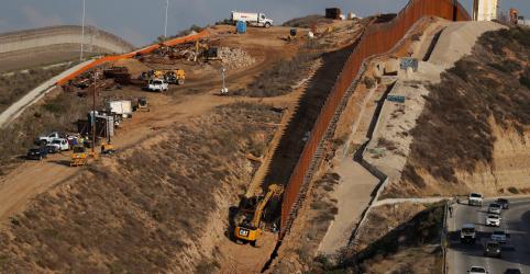 Impasse sobre financiamento de muro pode forçar paralisação parcial do governo dos EUA