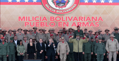 Placeholder - loading - Imagem da notícia Maduro diz que milícia civil da Venezuela chega a 1,6 milhão de membros