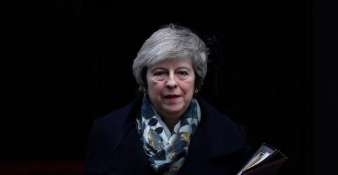 Governo britânico acelera preparativos para Brexit sem acordo