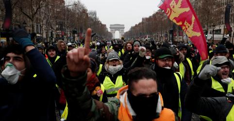 Macron pede ajuda de Sarkozy em meio a protestos dos 'coletes amarelos'