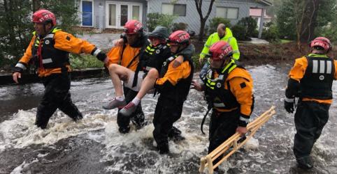 Furacão Florence atinge os EUA e causa 4 mortes