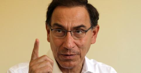 Placeholder - loading - Imagem da notícia Presidente do Peru desafia Congresso a destituir ministério em disputa sobre reformas