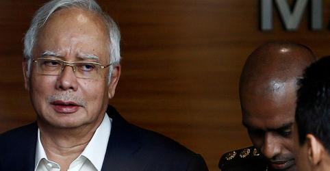 Placeholder - loading - Imagem da notícia Ex-premiê da Malásia é preso e enfrentará novas acusações de corrupção