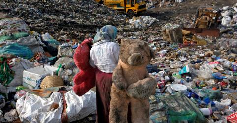 Placeholder - loading - Imagem da notícia Meta de acabar com pobreza extrema até 2030 dificilmente será cumprida, diz Banco Mundial