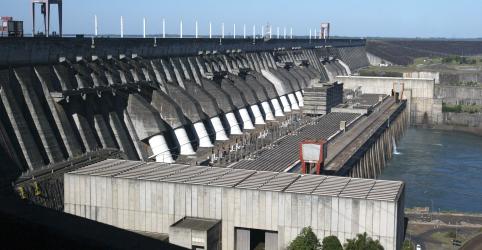 Governo inicia conversas sobre futuro da usina de Itaipu; tratado vence em 2023
